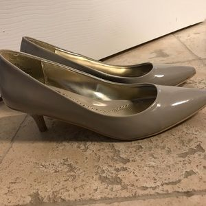 Beige short heel